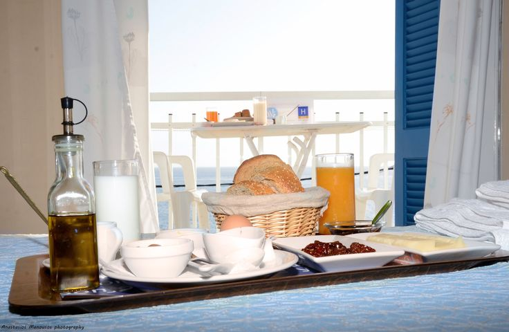 Our accommodation in Tyros Peloponnese offers you a friendly environment with great sea view and a traditional breakfast with local products.