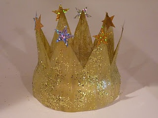 Crown made from plastic soda bottle