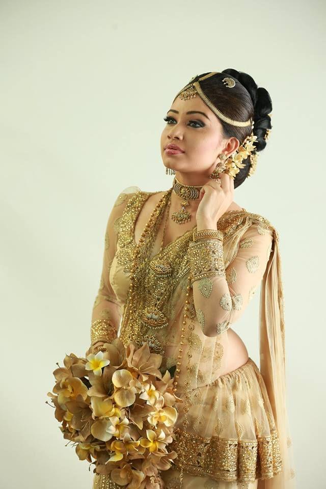 How To Do Kandyan Bridal Makeup : 41 best images about Kandyan Saree on Pinterest ...