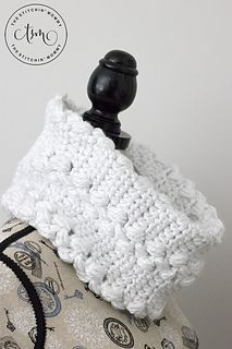 This gorgeousSnowy Path Cowl was inspired by the recent snow storm we received on the east coast. The stitch pattern reminds me of footprints or tracks in the snow. I made this cowl using Lion Brand Hometown USA yarn. I love the yarn because it is chunky and very soft. I used white because it reminded me of the snow but also because the colorway is called New YorkWhite!