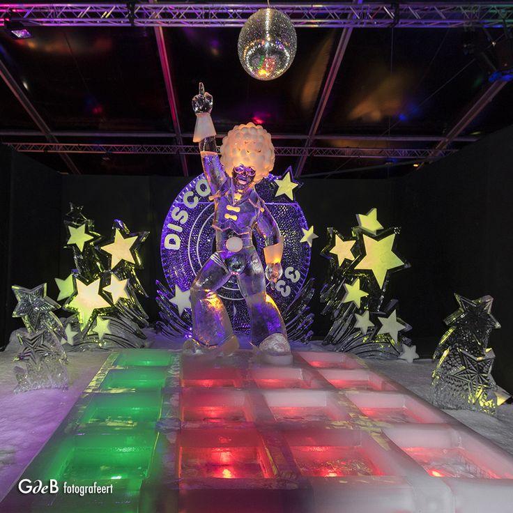 https://flic.kr/p/Qyoahj   Saturday Night Fever on Ice