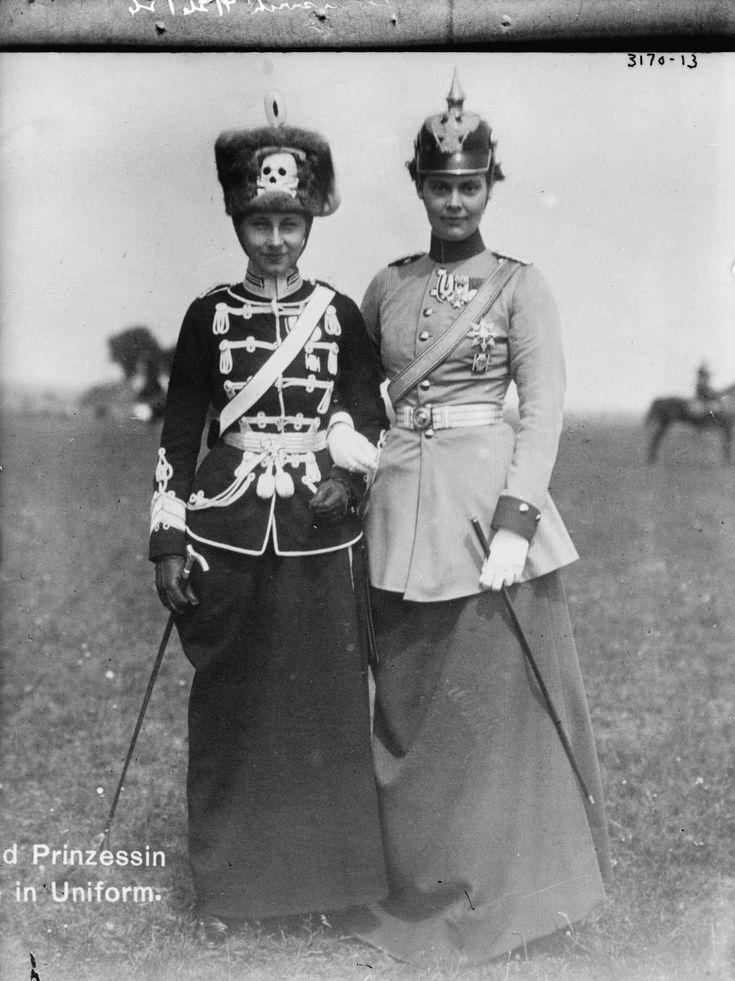 Viktoria Luise | File:Viktoria Luise von Preußen und Cecilie von Mecklenburg-Schwerin ...