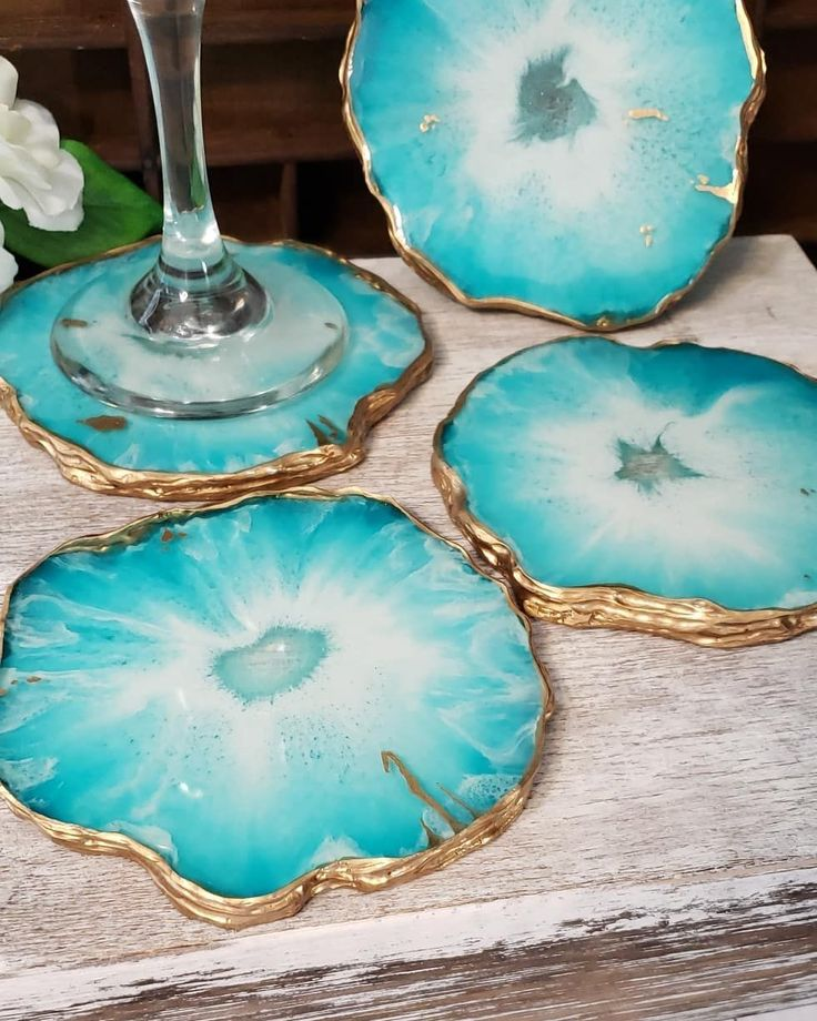 I'm loving how these geode resin coasters turned out. I used silicone to make the free form molds and @stonecoatcoun…