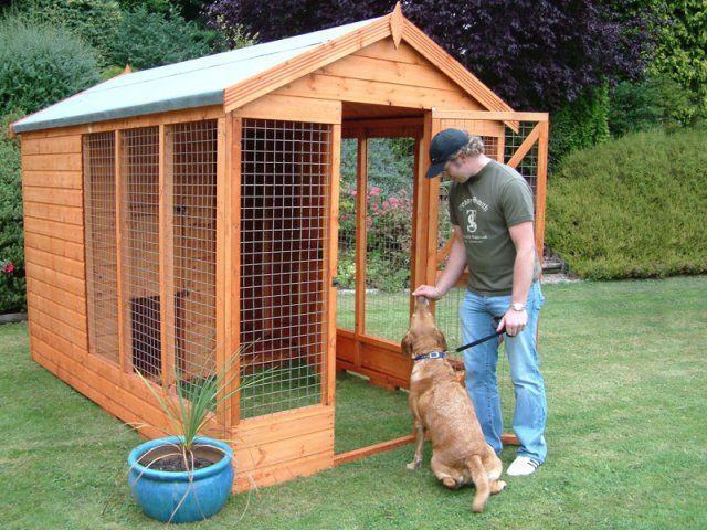 Wooden Dog Kennels - Deluxe Kennel and Run