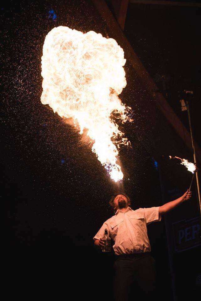 Noc Ognia  #fireshow #fire #spittingfire #show #circus #newcircus #dangerous #ogień #pokaz #impreza #cyrk #nowycyrk #plucieogniem