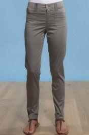 @A M Pantalon en satin extra fin en 97 % coton 3 % élasthanne. Le Lauris disponible à la boutique #Sugar #Hossegor