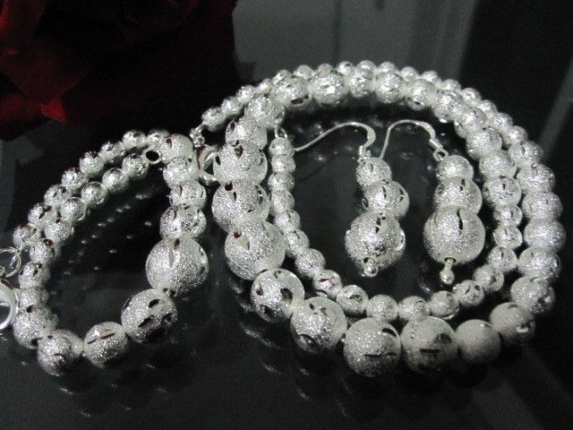 BEAUTIFUL   FROSTED S.S NECKACE/BRACELET/EARRING SET  CHARMING  BRACELET AND EARRINGS SET FASHION  JEWELLERY, FROM JEWELLERYAUCTIONS.COM