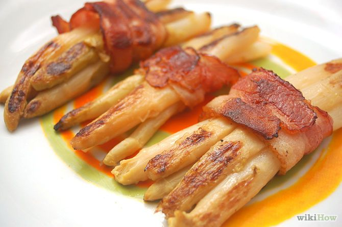 How to Make Asparagus Wrapped in Bacon