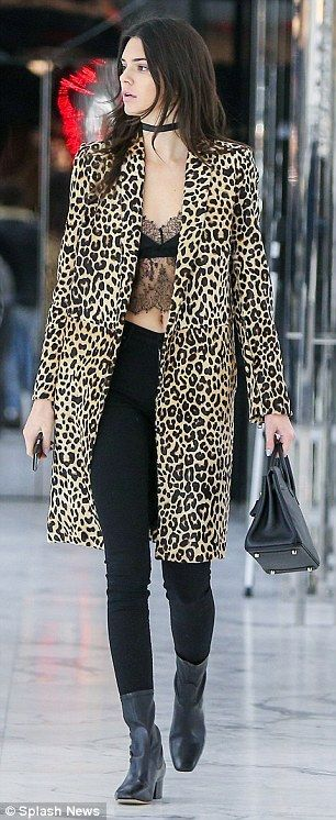 What clothes to wear with leopard print, how to dress, shop women animal prints dress online UK, Kate Moss styling ideas, Kendall Jenner.