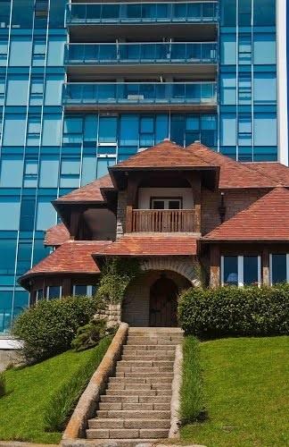 Dos estilos Arquitectónicos en Mar del Plata, Provincia de Buenos Aires, Argentina