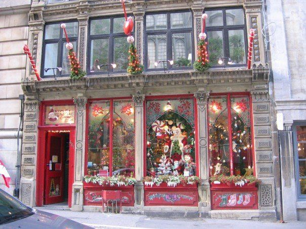 Christmas store in Montreal/i want to shop at whatever this store is. simple and pretty