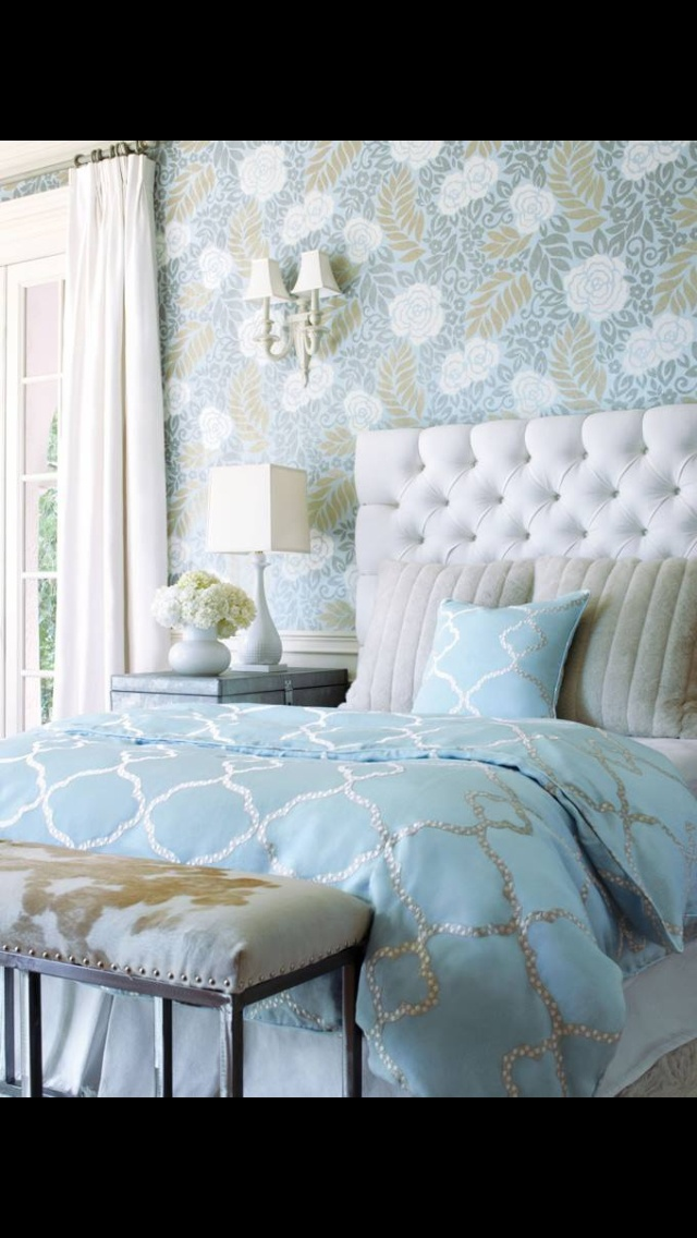 Loving the colours! Gold and silver + blue = zen oasis!