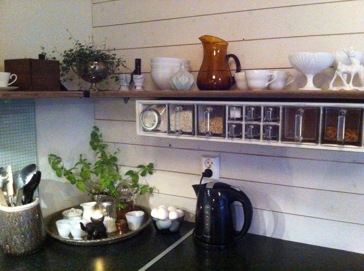 Nye kjøkken hyller. Og krydderhyllen på plass fra Bruktn sandefjord.