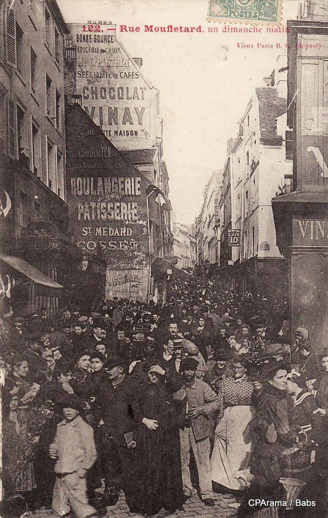 Rue mouffetard, un dimanche matin, début 20 ème siècle