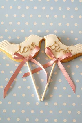Love birds - Rachelles Beautiful Bespoke Cakes