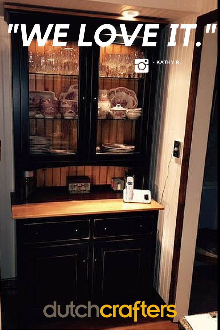 Kathy  ♥ her hutch, we ♥ her colors & pic–what else makes this hutch the ★ of the kitchen?
