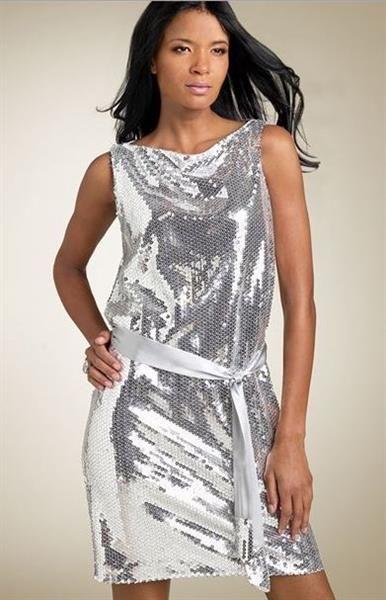 Сшить накидку на платье из трикотажа с пайетками