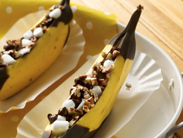 Grilled Banana Boats: Desserts, Recipe, Sweet, Food, Grilled Bananas, Banana Boats, Bananaboats, Smore, Campfire