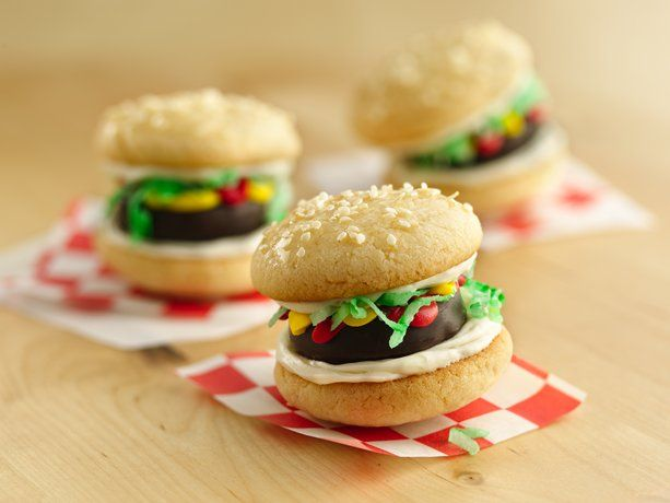 Mini Burger Cookies! Sugar cookies, peppermints and icing - super cute and yummy