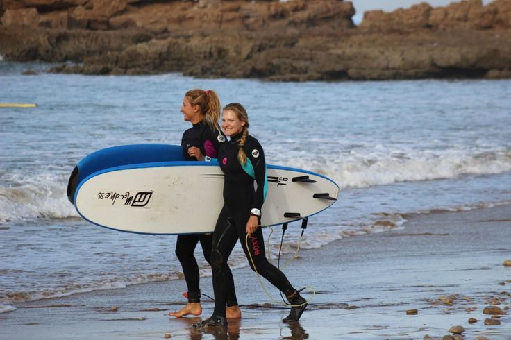 Girls surf lessons in morocco