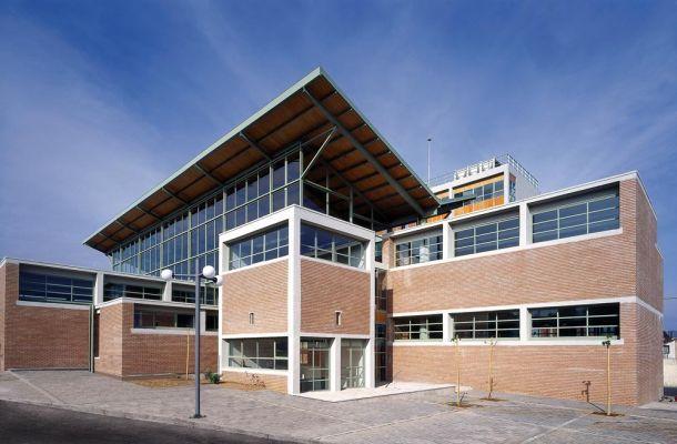 Η διερεύνηση αυτής της σχέσης του κτιρίου με την πόλη, τόσο σε λειτουργικό, όσο και σε συμβολικό επίπεδο, ήταν η αφετηρία σχεδιασμού του Δικαστικού Μεγάρου...