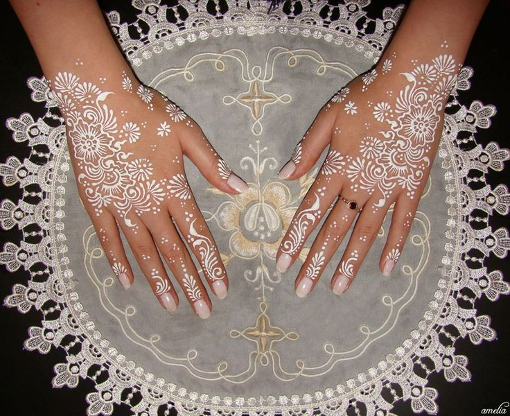 White and Gold Wedding. Reception Look. Bridal Henna. white mendhi/henna, this would be cool for a wedding