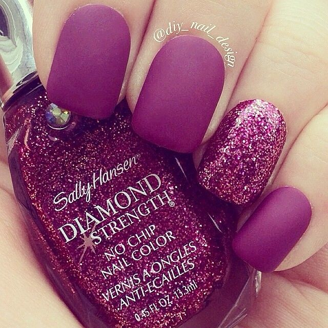 So cute. I'm seriously in love with these nails(: