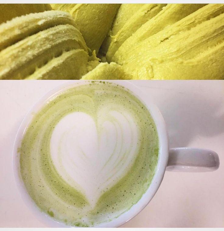 Les contamos que ahora en @eltallerchile pueden pedir nuestros productos #MatchaChile preparados como #MatchaLatte o como #MatchaHelado  10 veces más antioxidantes que un té verde tradicional 100% orgánico  Compras con envío a todo Chile en http://ift.tt/2jo8tPb  ------ #matcha #matchatea #matchadetox #detox #helado #latte #preparaciones #santiago #chile #téverde #antioxidantes