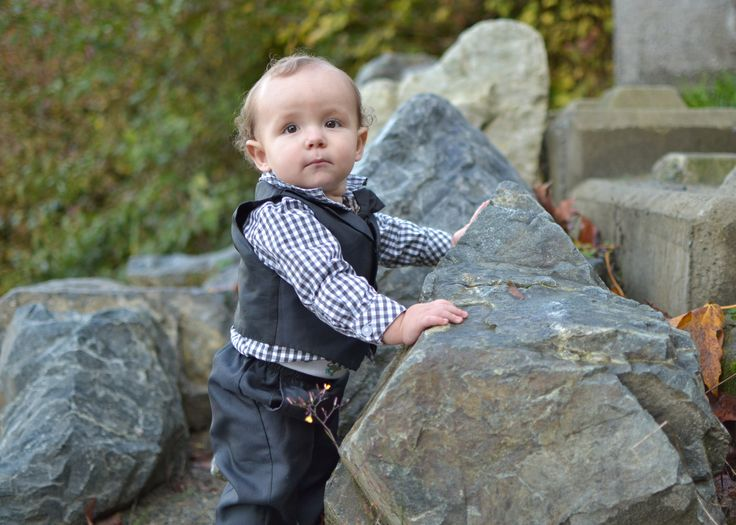 Fall photo shoot with this guy <3 #sister #nephew #love #fall #photography #portraiture #nikon #2016 #family #canada