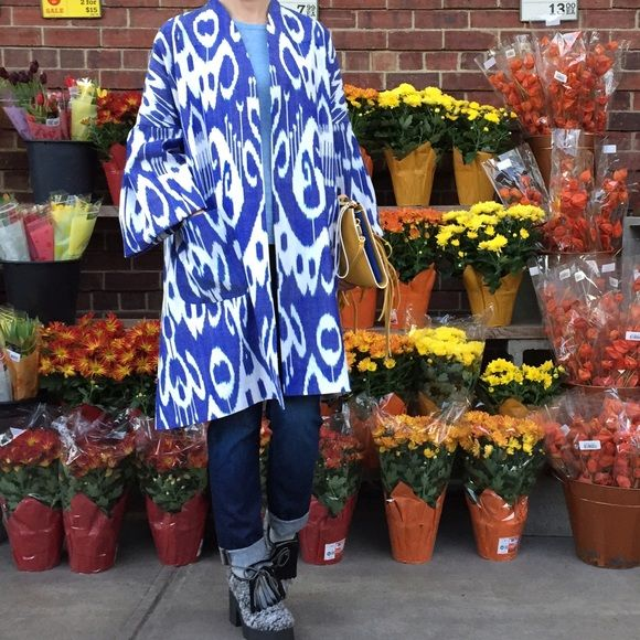 Beautiful ikat print coat. 100% silk Absolutely amazing Ikat Print 100% Adras Silk Coat. Beautiful bell sleeves. Pockets. Jackets & Coats