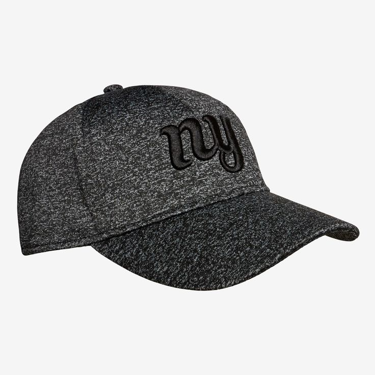 This cap offers a classic and retro style to your outfit with its fleck design and embossed logo. Featuring an adjustable back closure, it's perfect for outdoor activities and sunny days. Made from a polyester/elastane blend, this style is available in one size.