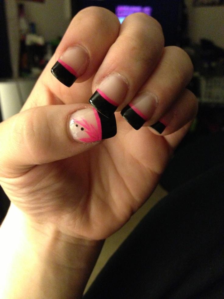 14k gold ring Hot pink and black gel nails