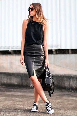 A saia de couro tem sido bastante vista em looks de fashionistas como Chiara Ferragni.