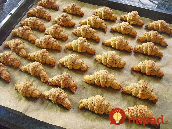 Mini orechové rožteky bez vajec: Smotanové cesto len z 3 prísad!