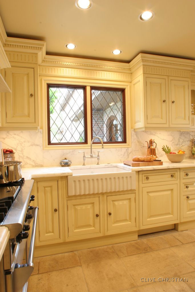 Clive christian victorian kitchen in antique cream - Clive christian kitchen cabinets ...