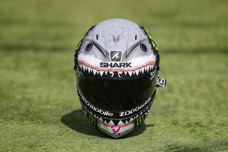 "Jorge Lorenzo en Twitter: ""Qué os parece el casco especial Shark que usaré este…"