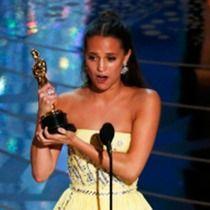 LAから実況中継! 第88回アカデミー速報(2)──スター誕生! ハリウッドが期待する美女アリシア・ヴィキャンデルが助演女優賞受賞!