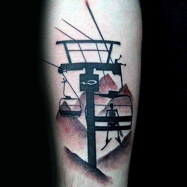 Black And Red Ink Skelett auf Sessellift Jungs Skifahren Tattoo