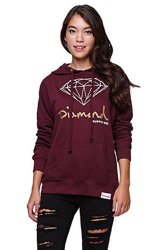 "The women's Diamond Pullover Hoodie by Diamond Supply Co features a front graphic and pouch along with soft fabric and a hooded back. You'll find us wearing this with everything from our shorts to our skinny jeans this season!   	24"" length 	23"" sleeve length 	Measured from a size small 	Model is wearing a small 	Her measurements: Height: 5'8"" Bust: 32"" Waist: 24"" Hips: 34"" 	80% cotton, 20% polyester 	Machine washable 	Imported"