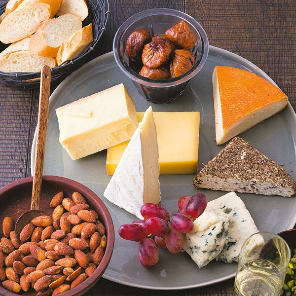 Bei dieser überragenden Käseauswahl mit Portweinfeigen wird Käsefans ganz anders werden.