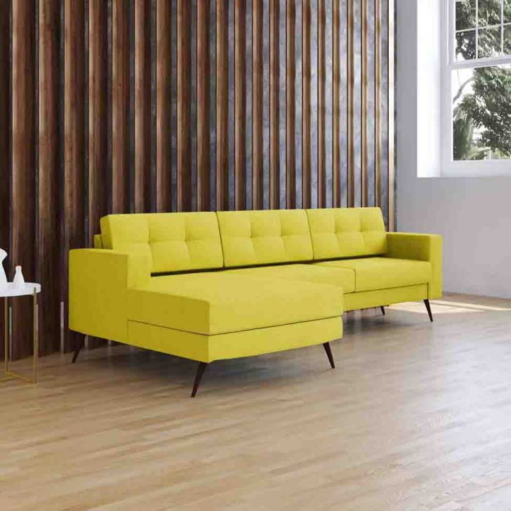 Sofá 3 Lugares Living com Chaise Pé Palito  Suede Amarelo
