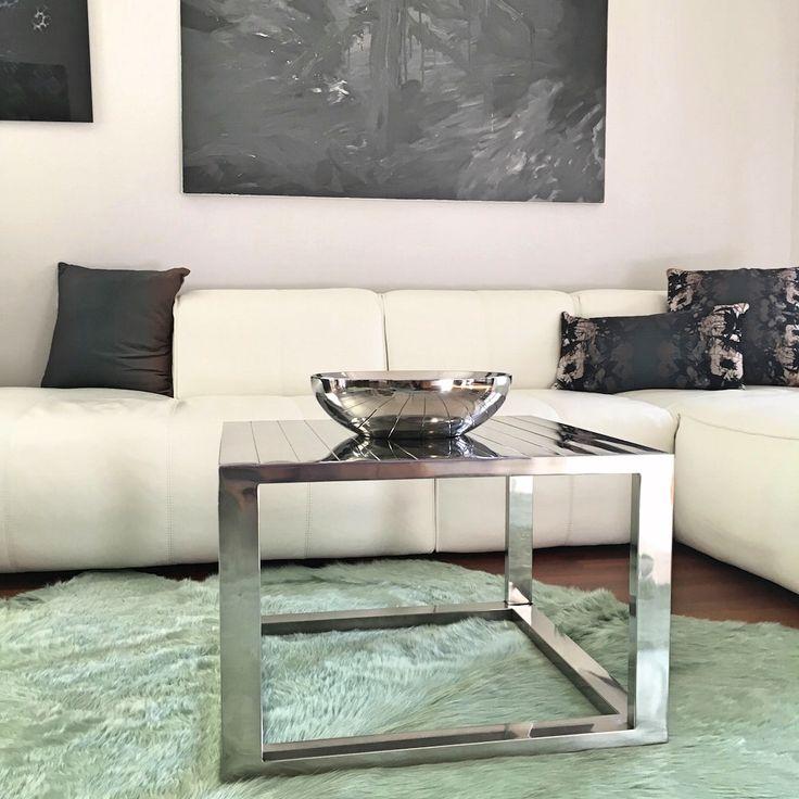Beistelltisch TISCH & Kuhfell Teppich Aqua Grün