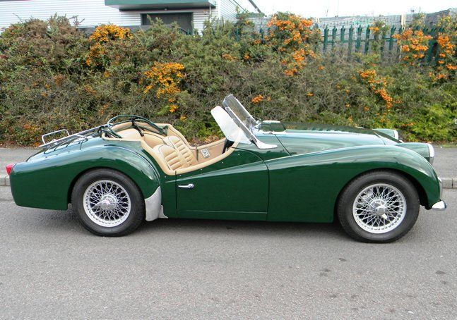 1960 Triumph TR3A ✏✏✏✏✏✏✏✏✏✏✏✏✏✏✏✏ AUTRES VEHICULES - OTHER VEHICLES ☞ https://fr.pinterest.com/barbierjeanf/pin-index-voitures-v%C3%A9hicules/ ══════════════════════ BIJOUX ☞ https://www.facebook.com/media/set/?set=a.1351591571533839&type=1&l=bb0129771f ✏✏✏✏✏✏✏✏✏✏✏✏✏✏✏✏