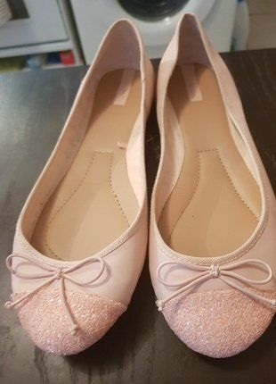À vendre sur #vintedfrance ! http://www.vinted.fr/chaussures-femmes/ballerines-and-slippers/35629621-ballerines-rose-tendre-stradivarius