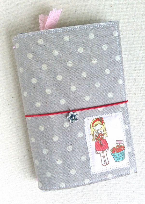 ≡ Clover & Violet — How to Make a Fabric Traveler's Notebook Midori {Mini Tutorial}