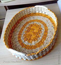 Поделка изделие Плетение Корзинка в ванную Трубочки бумажные фото 9