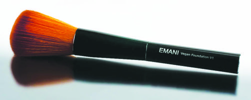 The Emani V1 Foundation Brush picks up just the right amount of makeup, gliding gently across your skin while depositing the perfect amount of foundation. The gentle, natural fibers in bristles blend foundation flawlessly into the skin for a natural look that is blemish free and pore-less.  Perfectly pairs with Emani Flawless Matte Foundation or Perfecting Crushed Founation, the Emani V1 Foundation Brush gives you perfect foundation application with ease.