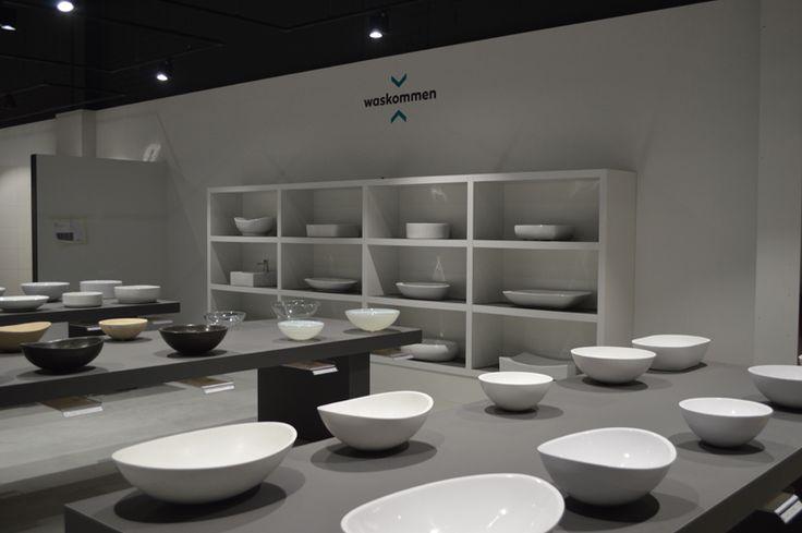 Badkamer inspiratie showroom, tegelshowroom, sanitair, waskommen