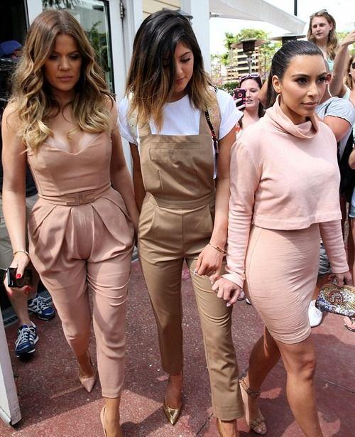 i like khloe's outfit
