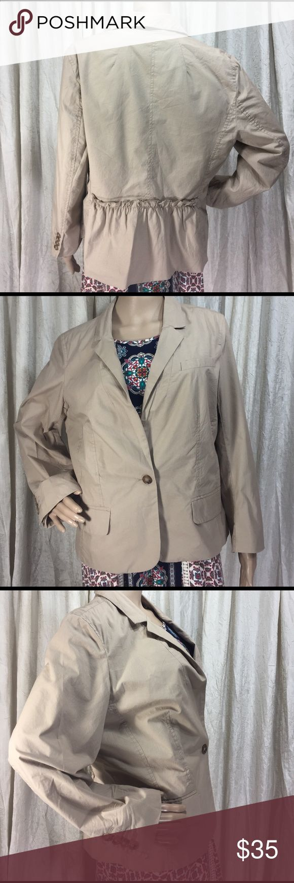 Beige Cotton Blazer Jacket the Loft size 14 NWT Beige cotton blazer from the loft, size 14, length 24.5 inches, sleeve 21.5 inches, bust 40 inches. NWT cute RUFFLE detail on back LOFT Jackets & Coats Blazers